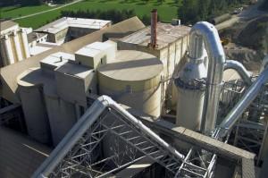Met restwarmte van Portland cementfabriek in Rosenheim wordt stroom opgewekt.